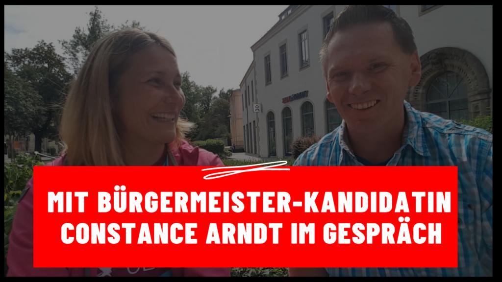 Zwickau - Maik Klaumünzer mit Bürgermeister-Kandidatin Constance Arndt im Gespräch